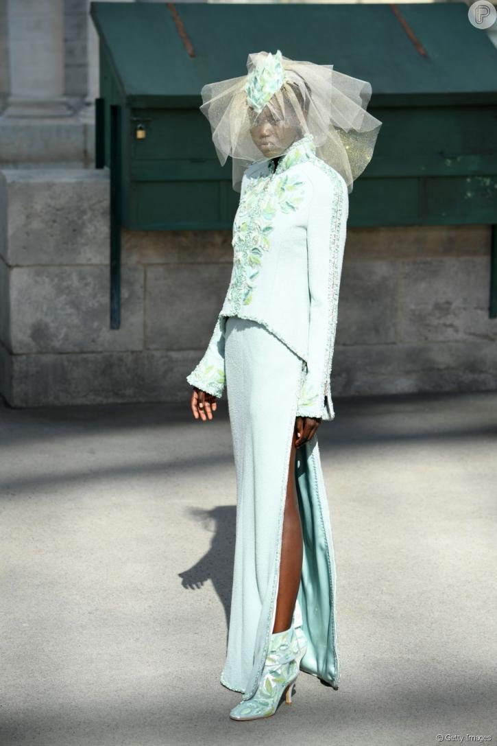 b34468cf5 Jovem sudanesa é 2ª modelo negra a ser a noiva da Chanel: 'Fiz história'